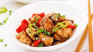 Wok de pavo con verduras y frutos secos